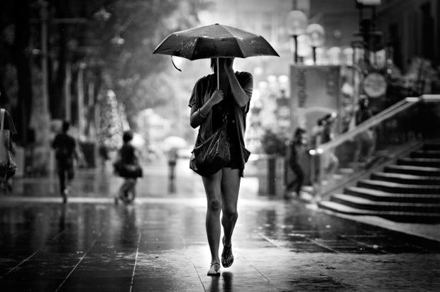 lady_with_umbrella